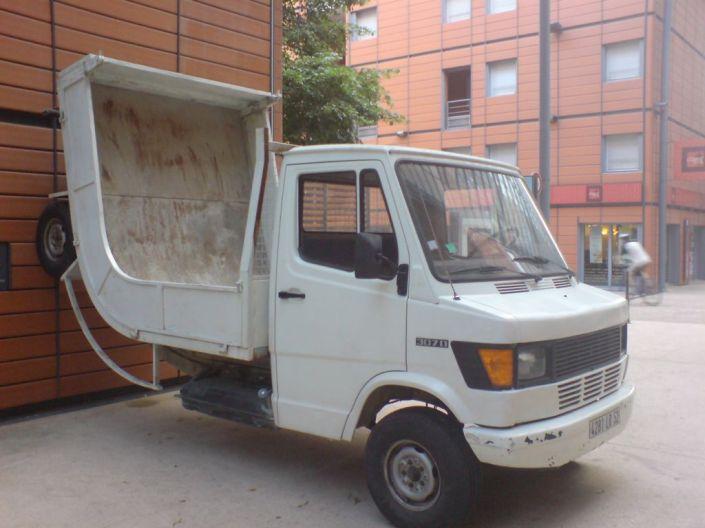 Un drôle de camion